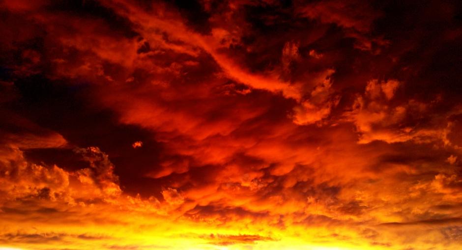 L'Éternel fit tomber sur Sodome et Gomorrhe une pluie de soufre et de feu.